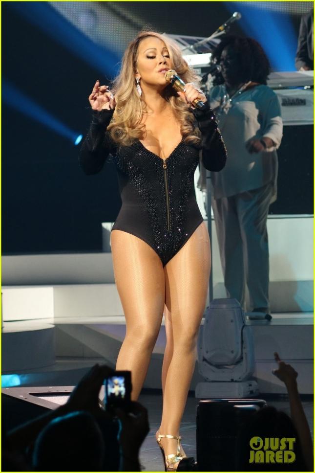 """Мэрайя Кэри выступила на сцене """"The Colosseum at Caesars Palace"""" в Лас-Вегасе. И теперь такое будет часто - у Мэрайи контракт"""