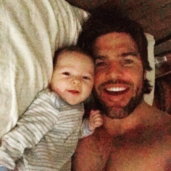 mike-fisher-baby-selfie-500x500