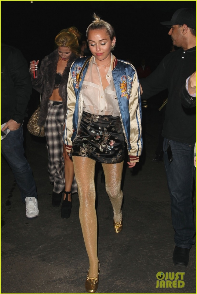 miley-cyrus-votes-for-rumer-willis-dancing-with-the-stars-07