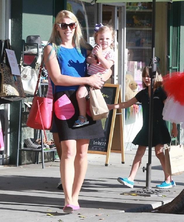 Бизи Филиппс с дочками