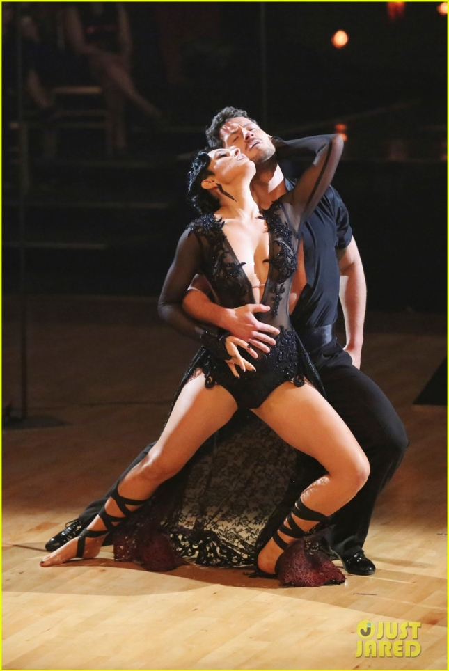 rumer-willis-val-chmerkovskiy-toxic-duo-on-dwts-32