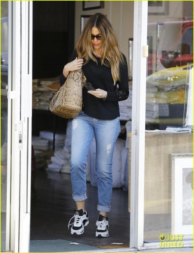 София Вергара занимается шоппингом в Голливуде