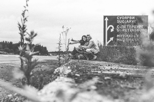 Student-Couple-Hitchhikes-All-over-the-World7__880