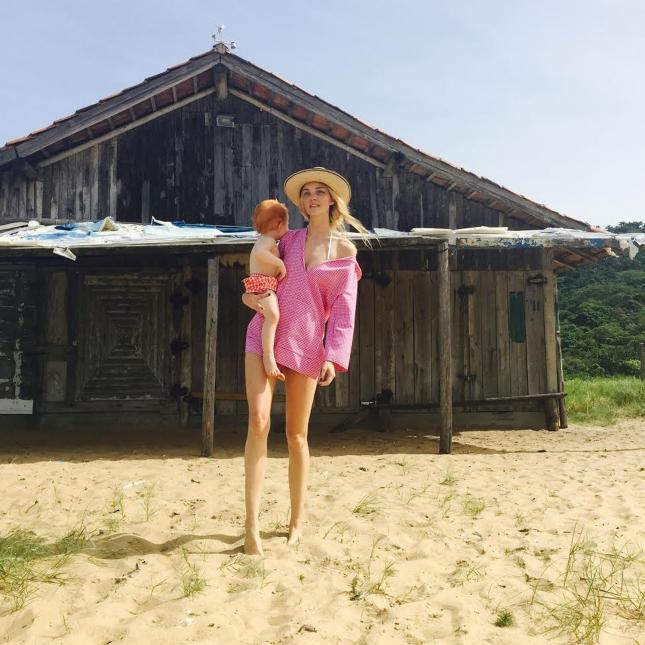 Кэролайн Трентини с сыном в фотосессии для Vogue США