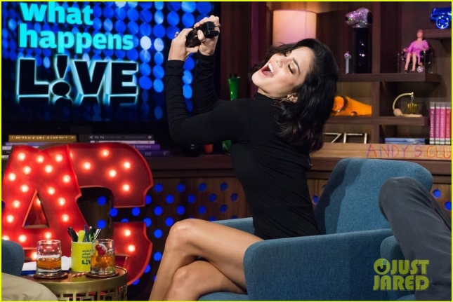 vanessa-hudgens-reenacts-high-school-musical-2-01