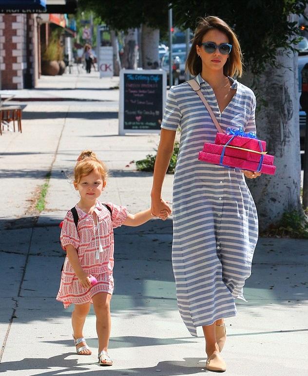 Джессика Альба с дочкой