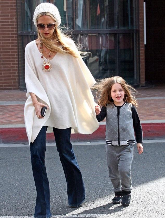 Рэйчел Зои с сыном