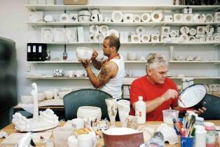 Есть гончарная мастерская, которая открылась в тюрьме Хальден в 2010 году. Можно провести время с удовольствием, а можно и изучить новое ремесло.