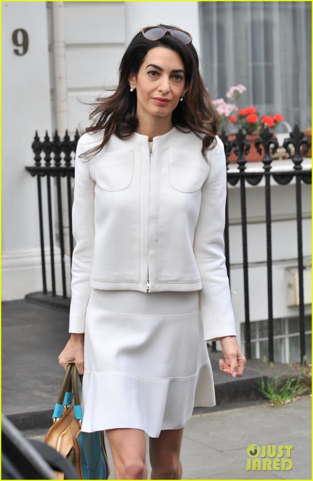 Amal Clooney makes her way to the High Court in London **USA ONLY**