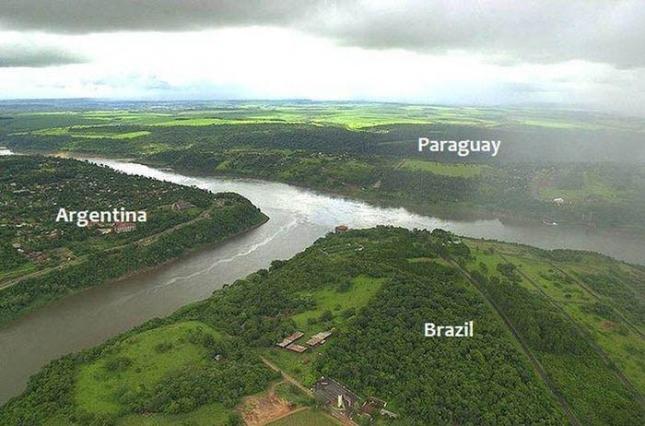 Аргентина Парагвай и Бразилия