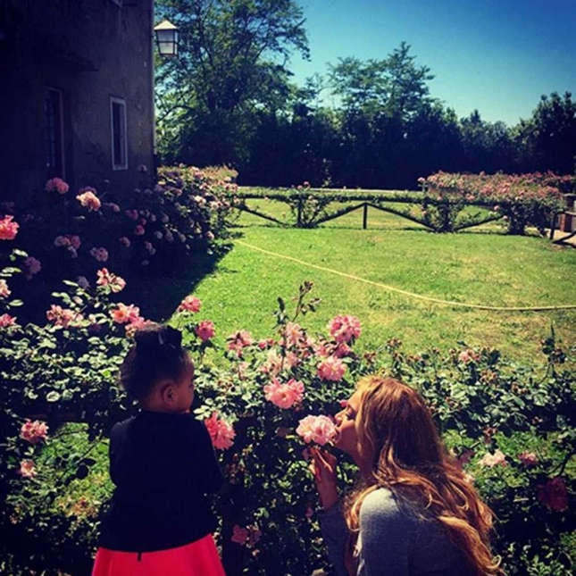 beyonce-june-garden-instagram__large