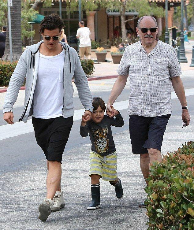 Флинн Блум с папой и дедушкой