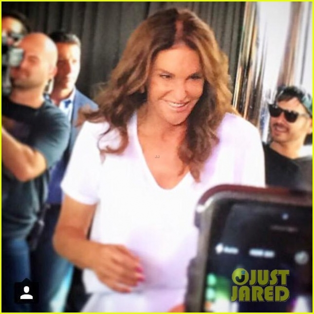 caitlyn-jenner-nyc-pride-event-02