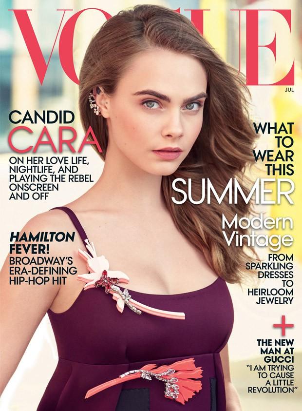 Кара Делевинь на обложке Vogue США, июль 2015