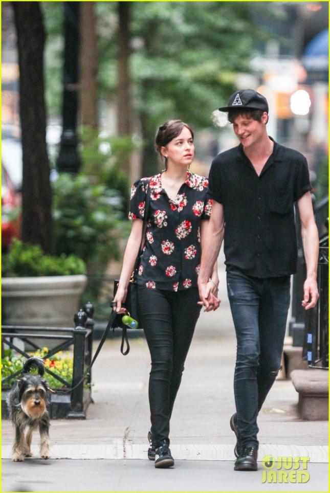 dakota-johnson-boyfriend-matthew-hitt-hold-hands-for-dog-walk-01