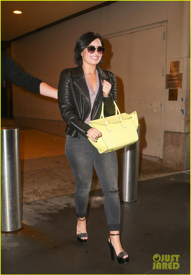 demi-lovato-gives-deets-on-her-fifth-album-02