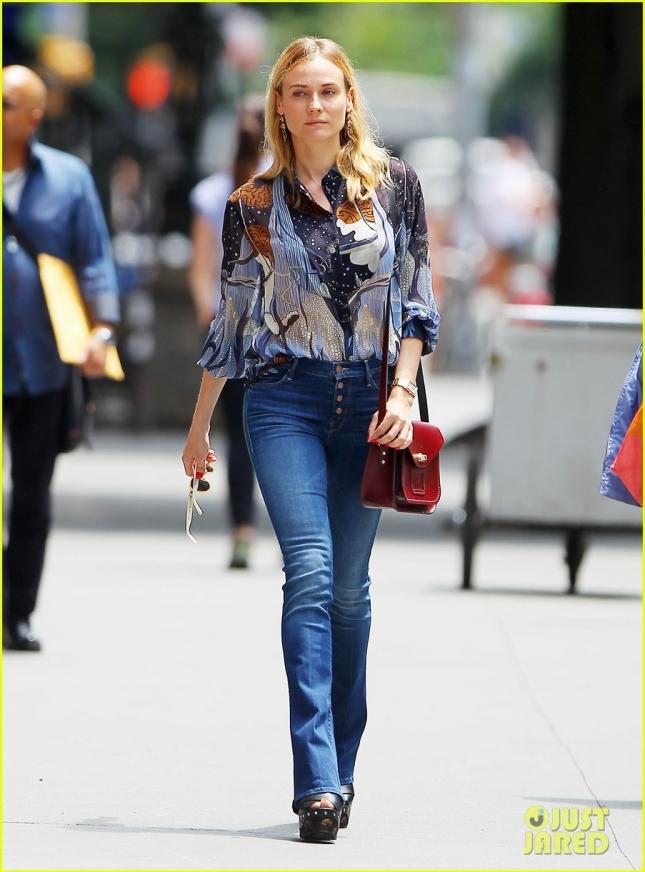Диана Крюгер гуляет по Нью-Йорку