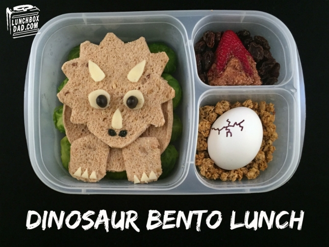 dinosaur-triceratops-lunch