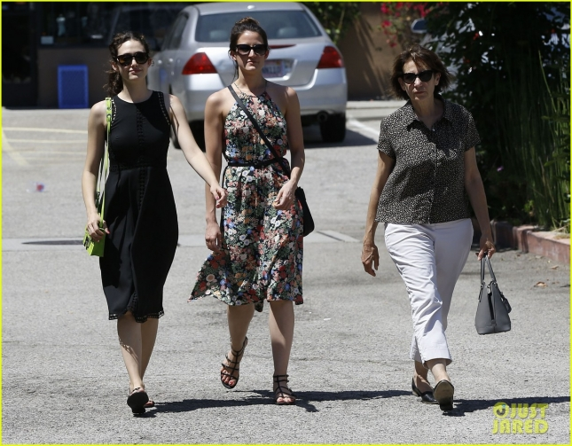 Emmy Rossum Out For Lunch In Pasadena