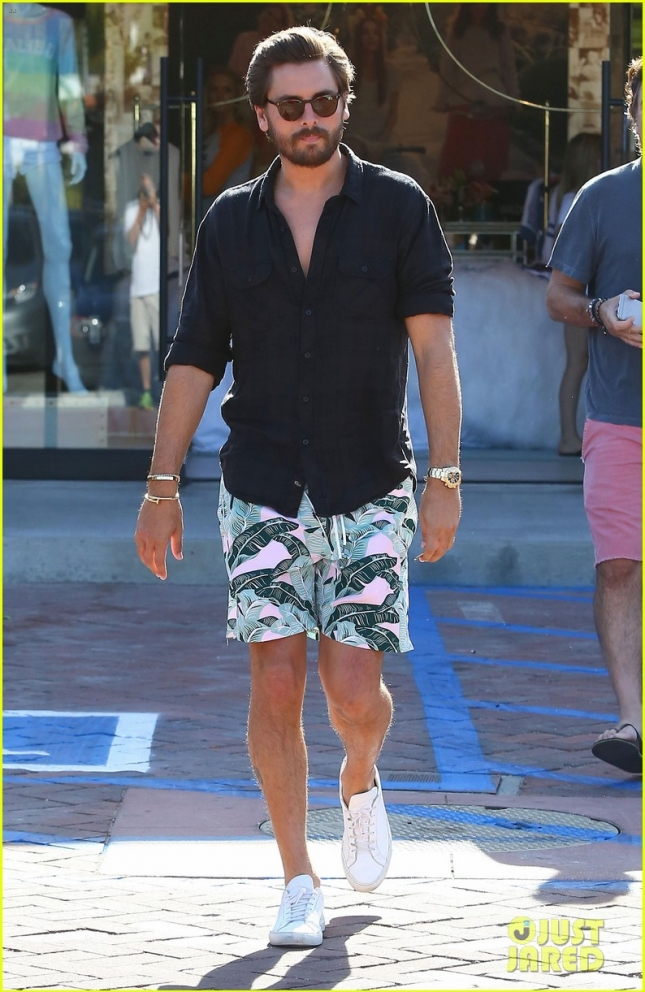 Scott Disick Out And About In Malibu