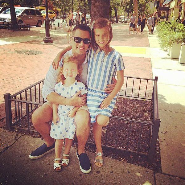 Джессика Альба поздравила с Днем Отца мужа Кэша