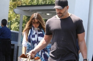 Joe+Manganiello+Sofia+Vergara+shop+jkg5xbp-Ghjxмини