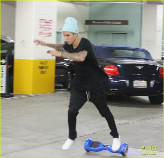 *EXCLUSIVE* Justin Bieber cruises a Hawk Board with his buds