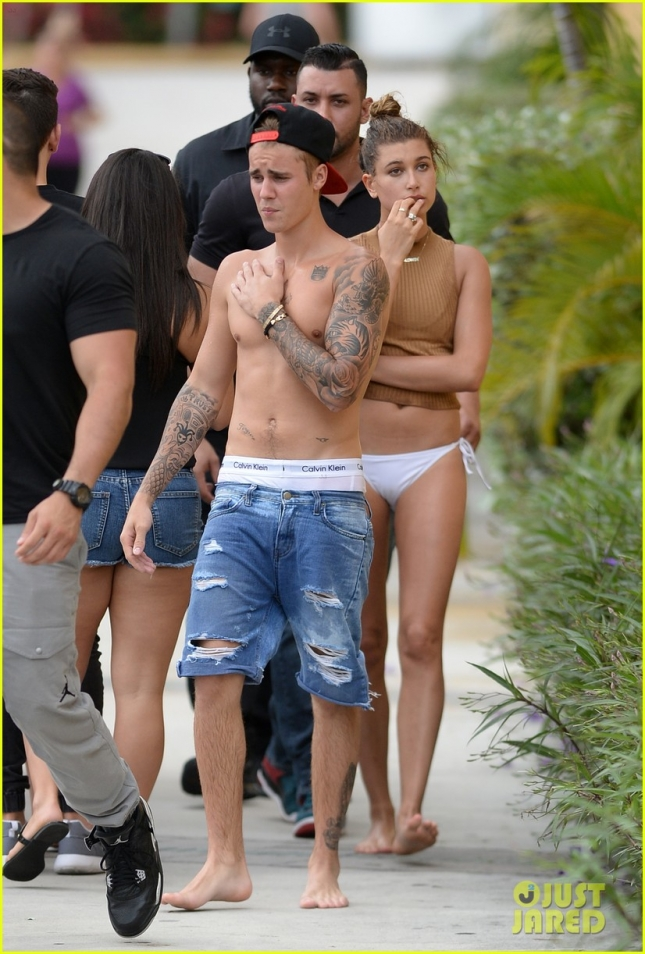 justin-bieber-hailey-baldwin-go-jet-skiing-in-miami-01
