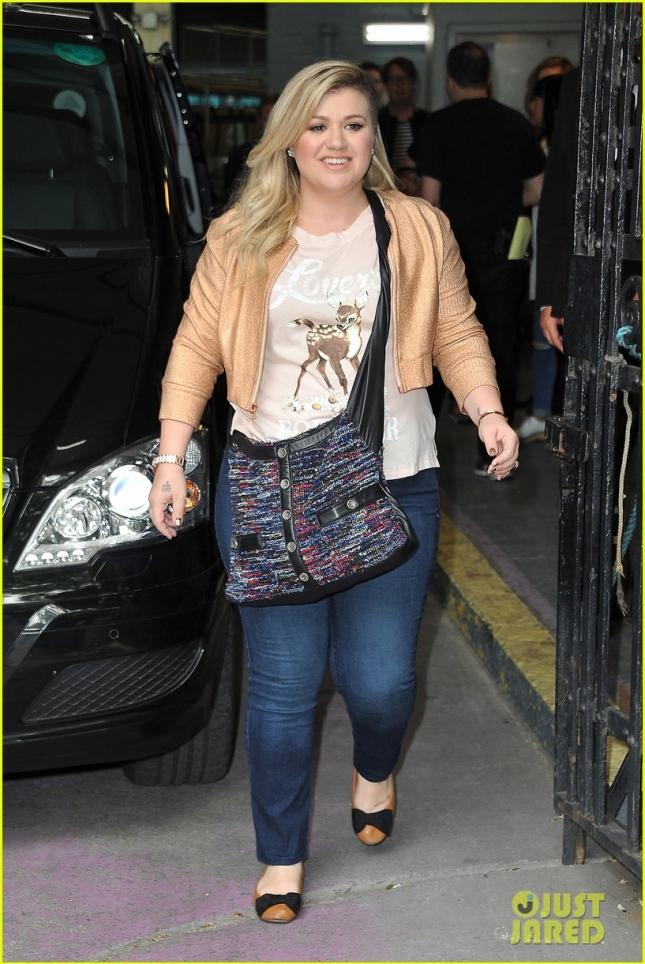 Келли Кларксон возвращается с ITV This Morning Show (Лондон)
