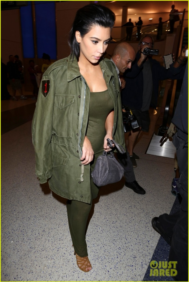 kim-kardashian-is-due-to-give-birth-in-winter-01