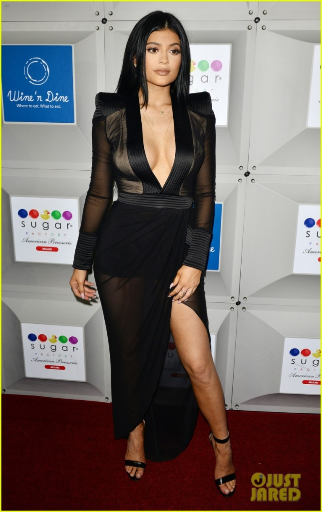 kylie-jenner-avoids-wardrobe-malfunction-with-lots-of-duct-tape-05
