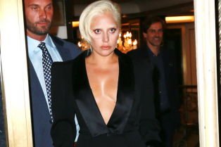 lady-gaga-cleavage-suit-nyc-02