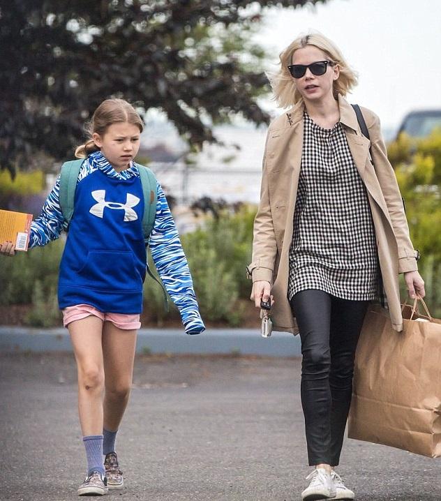 Мишель Уильямс с дочкой