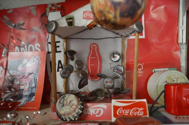meet-the-coca-cola-obsessed-woman-who-made-her-house-into-a-soda-shrine-498-body-image-1431634589