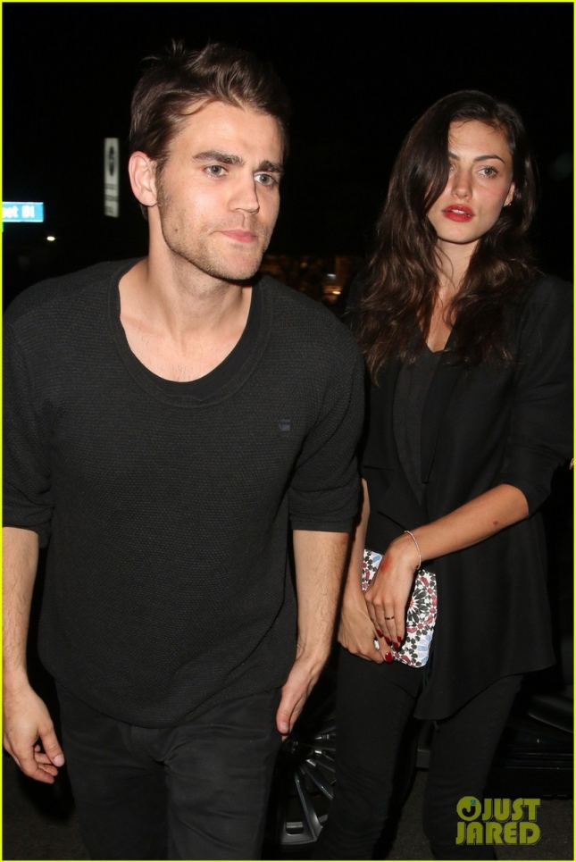paul-wesley-phoebe-tonkin-will-both-be-at-comic-con-2015-01