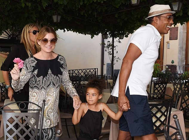 Эллен Помпео с мужем Крисом Айвери и дочкой