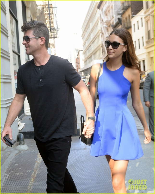 robin-thicke-new-girlfriend-16
