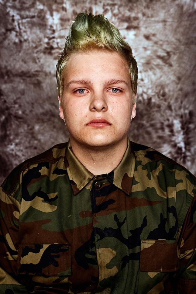 Рокас, 17. зачем нужна армия? Защищать свои ценности и деи, достигать цели. На войне может оказаться каждый. Да вот толко армия не для всех.