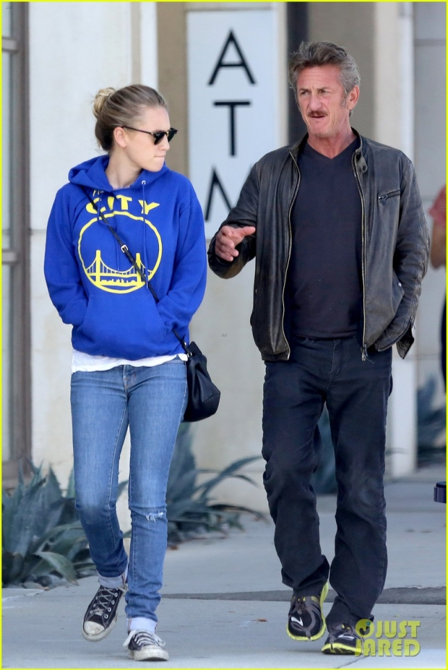 sean-penn-steps-out-on-fathers-day-following-charlize-theron-split-10