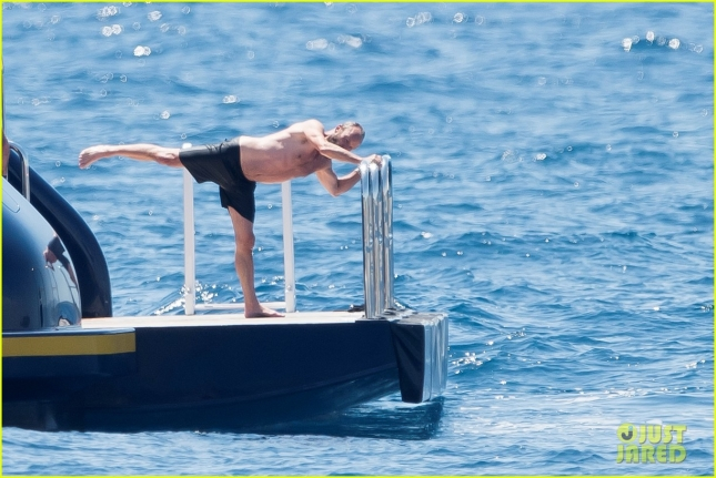 sting-does-shirtless-stretches-in-cannes-20