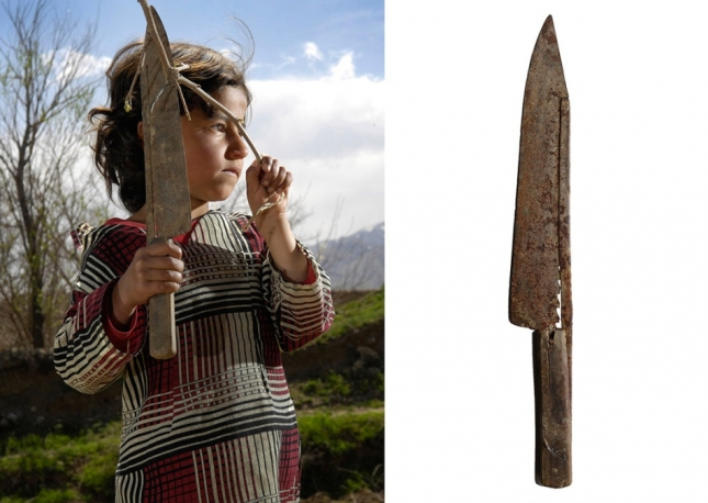 Провинция Парван, Афганистан. Басе 7 лет. Эта девочка ловко управляется со своим ножом, который передавали ей из поколения в поколение. Некоторые лезвия — гордость семьи, и их Ванессе не продали.