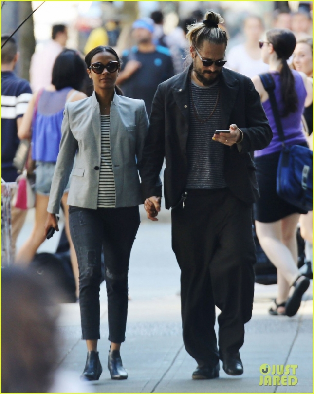 Exclusive... Zoe Saldana & Marco Perego Out For A Stroll In Vancouver