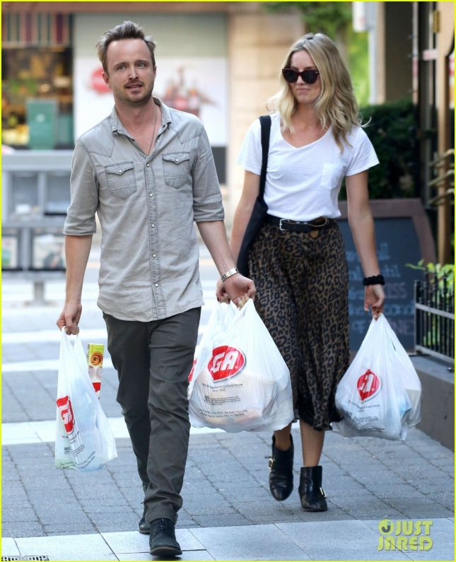 Semi-Exclusive... Aaron Paul & Annabelle Wallis Go Shopping Together