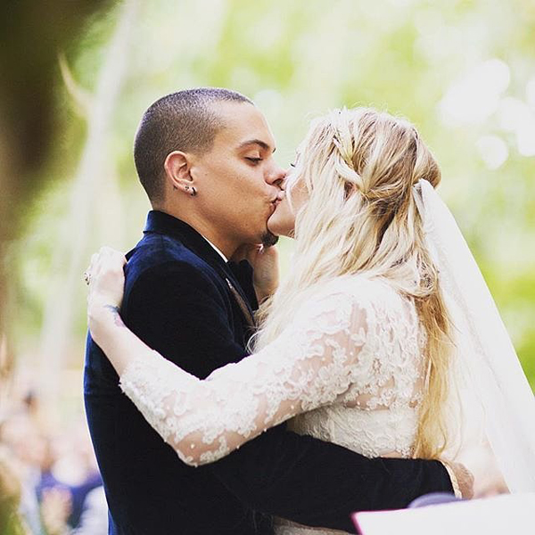 Ashlee-Simpson-Evan-Ross-Wedding-Pictures