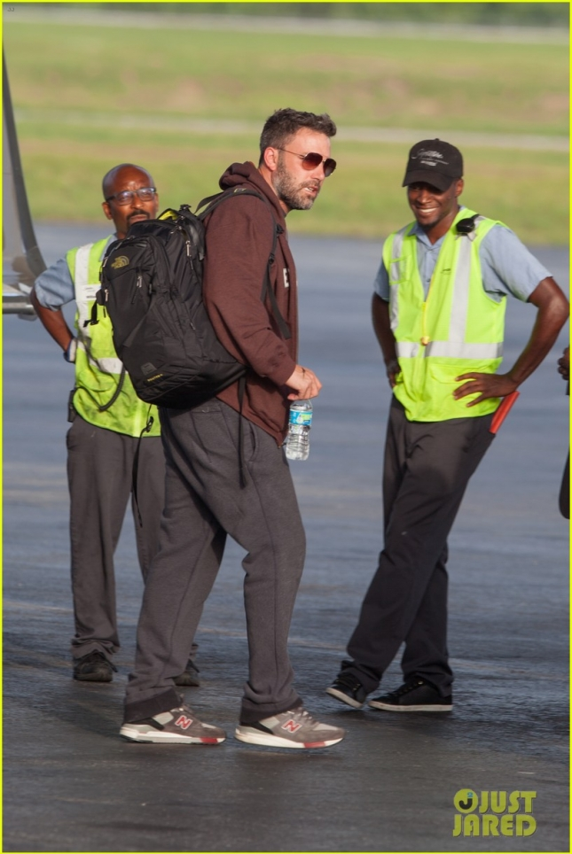 ben-affleck-flies-to-atlanta-to-spend-time-with-kids-03