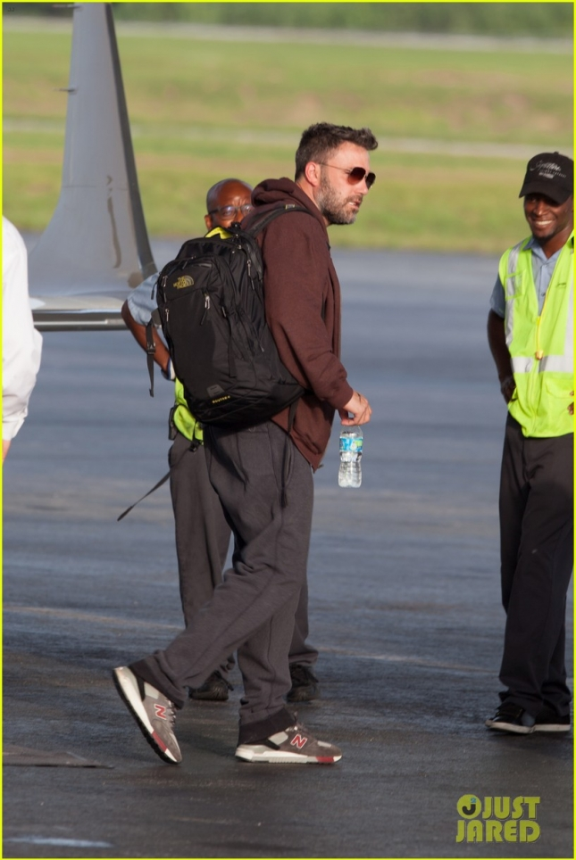 ben-affleck-flies-to-atlanta-to-spend-time-with-kids-06