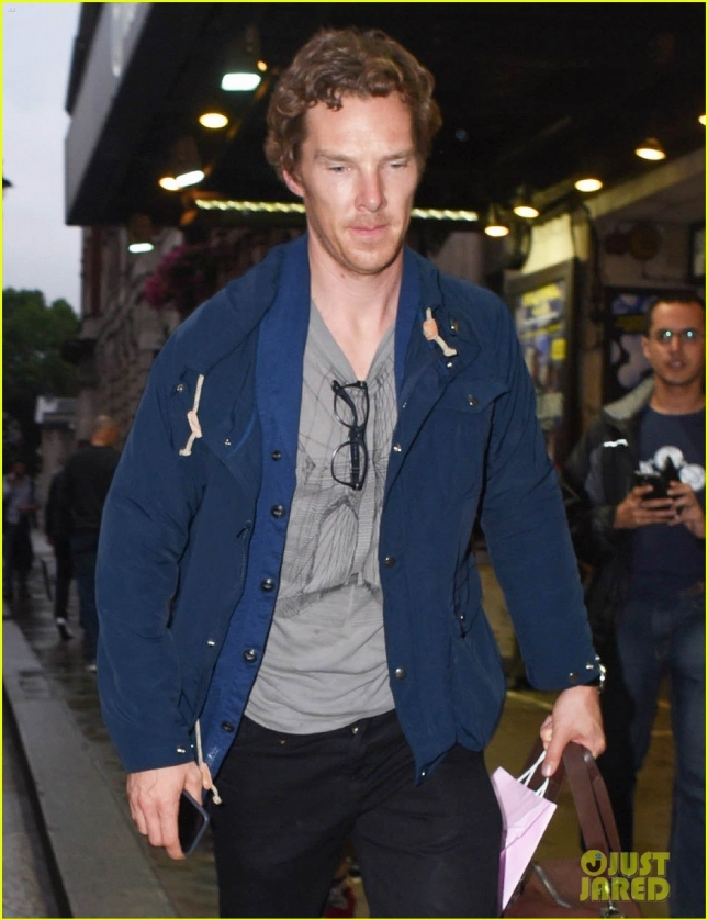 benedict-cumberbatch-starts-rehearsals-for-west-end-hamlet-07