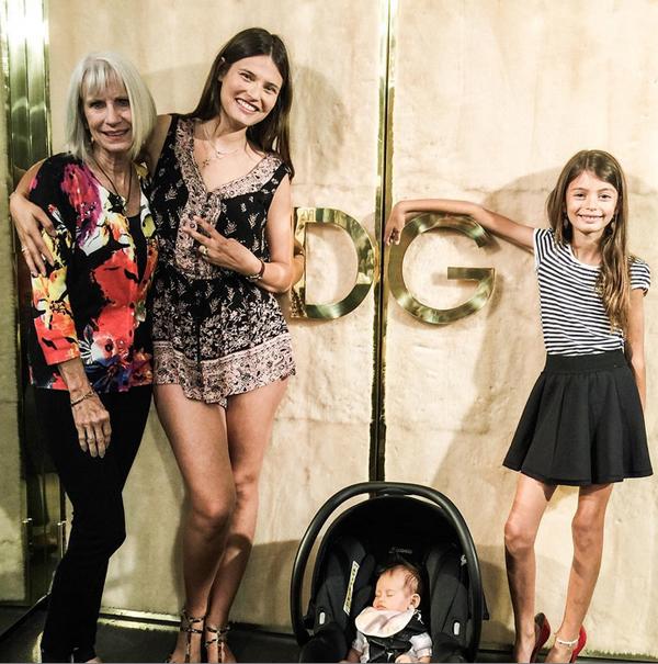 Бьянка Балти с дочками