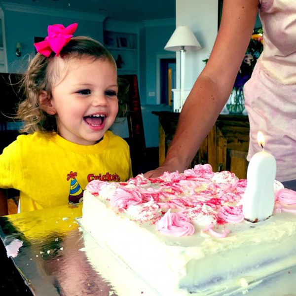 busy-philipps-cricket-second-birthday-1-500x500
