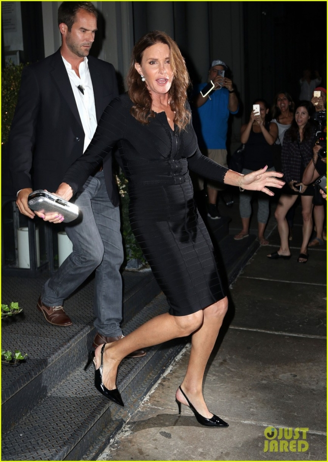 Caitlyn Jenner Wears An All Black Ensemble To Dinner